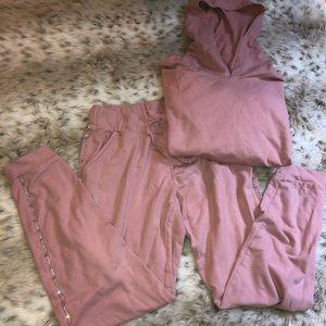 Matching Set: joggers and sweatshirt